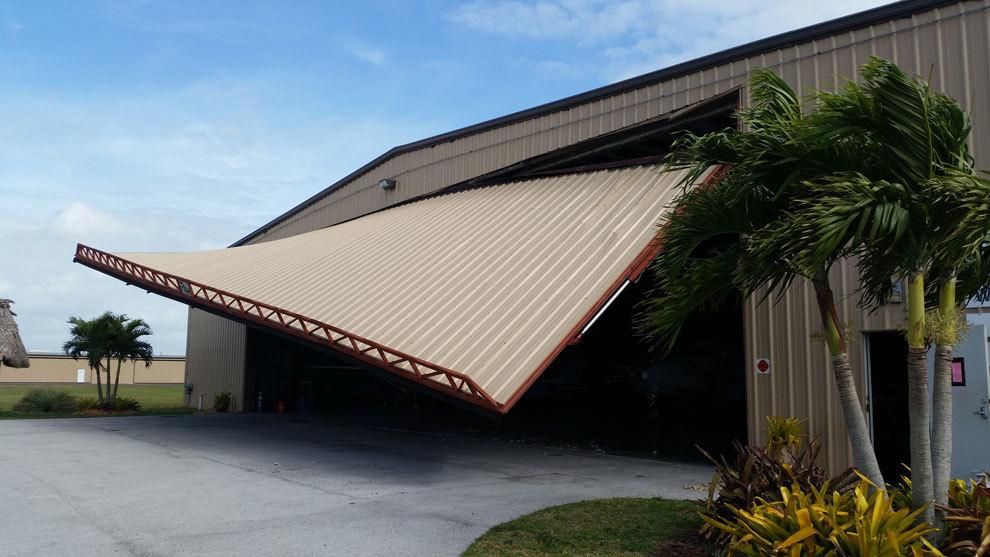 Garage Doors Sandpoint Id Hangar Door Trainwrecks