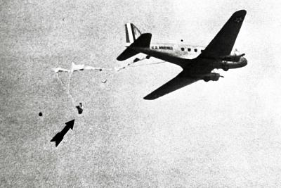 Click image for larger version.  Name:01-Two-Pilots-Save-a-Man-Dangling-From-Another-Plane-6670818a-AP-1024x683.jpg Views:59 Size:106.0 KB ID:48768