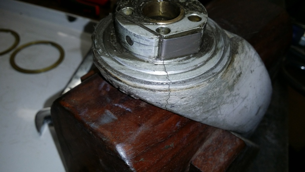 Click image for larger version.  Name:Cracked Fork top view.jpg Views:2375 Size:153.0 KB ID:33790