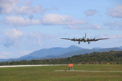 Click image for larger version.  Name:B-17G Landing RWY 19 Rutland 9-18-19-3.jpg Views:96 Size:57.7 KB ID:44520