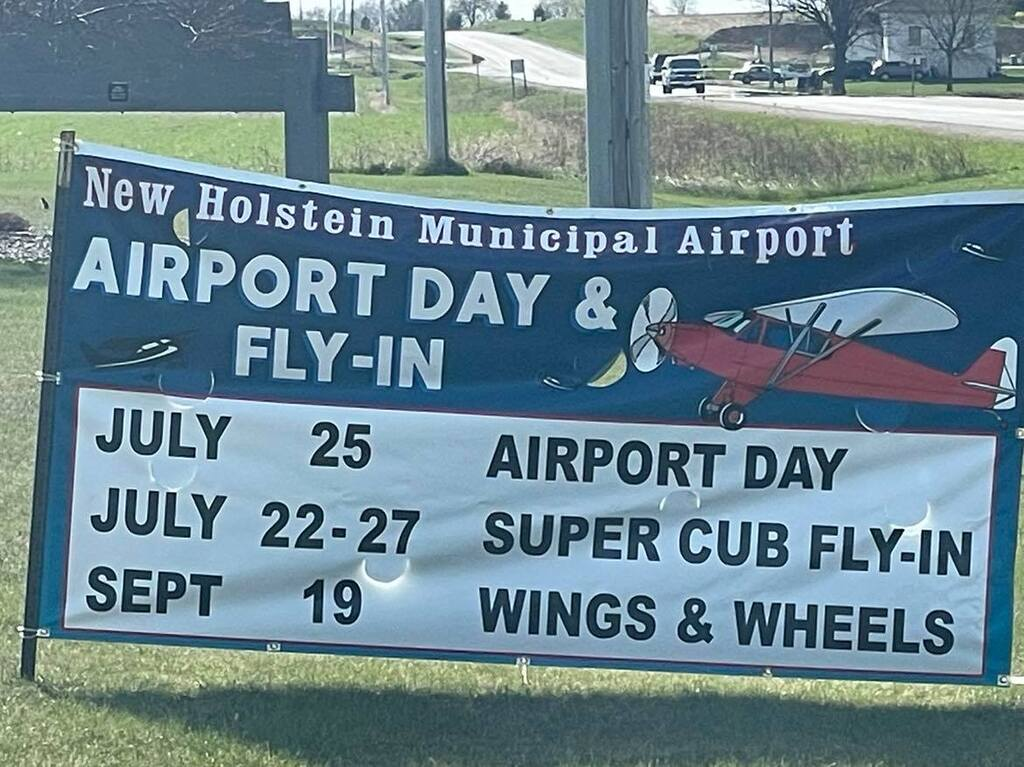 Click image for larger version.  Name:Airport Sign.jpg Views:865 Size:128.2 KB ID:55328