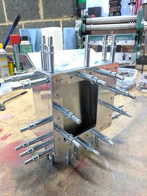 Click image for larger version.  Name:oilcooler_1.jpg Views:33 Size:161.2 KB ID:44146